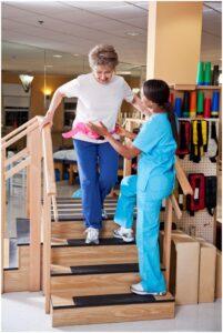 Обучение правильной ходьбе по плоскости и по лестнице